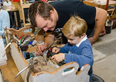 SawuGo-workshop-kids-in-the-workshop-can-Make
